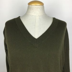 GAP Relaxed Fit Army Green V-Neck Sweater XS